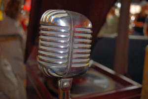 Sprachansagen mit und ohne Musik